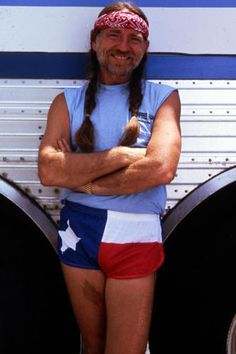 Willie Nelson, fifth-degree black belt Country Western Singers, Country Music, Texas Texans, Bob Weir, Outlaw Country, Willie Nelson, Daddy Yankee, Kinds Of Music, Black Belt
