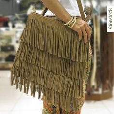Boho Chic Trendy! #shoestock #bag #itbag #franjas #bohochic #tendencia #desejo #wishlist - Ref 09.04.0099
