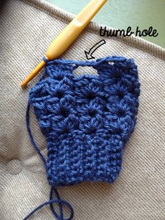 Cluster V-stitch fingerless gloves (and hat)
