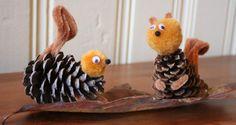 We krijgen maar geen genoeg van de #herfst! Een geweldig seizoen die ons veel knutselmateriaal geeft. Dit keer maken we eekhoorn van een dennenappel. #knutselen