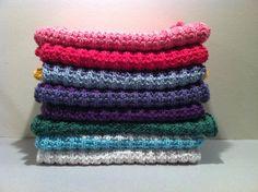 Knitting, Needle Cushion w / Pearls – Norwegian Folk Museum / Digital Museum Needlework Easy Knitting, Knitting Socks, Knitting Patterns, Homemade Potholders, Needle Cushion, Big Knit Blanket, Jumbo Yarn, Big Knits, Knit Pillow