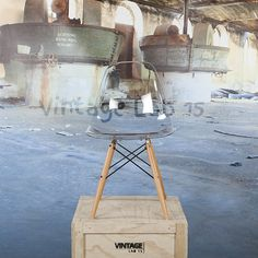 DSW style stoel transparant Jouw stoel op jouw manier Stel ze samen zoals jij…