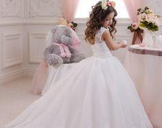 Elfenbeinblumenmädchen Kleid Geburtstag von Butterflydressua