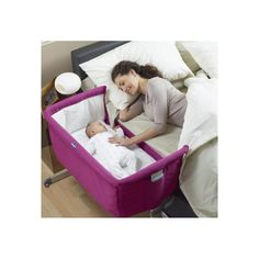 Ideal from Birth to 6 months.Next2Me is the new Chicco crib that favours side-sleeping, allowing parents to sleep closer to their baby. With Next2Me crib, the baby can safely sleep in his crib while mum can rest next to them, cuddle or breastfeed themcomfortably.Next2Me is the perfect solution for s
