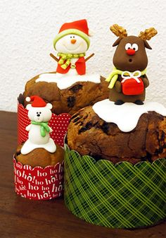Risultati immagini per panetone decorado com pasta americana Christmas Clay, Christmas Sweets, Rustic Christmas, Christmas Baking, Christmas Cookies, Christmas Time, Christmas Decorations, Yummy Cookies, Cupcake Cookies