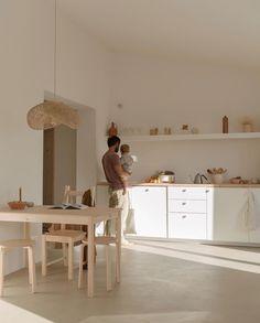 Apartment Kitchen Renovation 61 Ideas For 2020 Apartment Kitchen, Home Decor Kitchen, Rustic Kitchen, Kitchen Interior, Home Kitchens, Kitchen Design, Sweet Home, Minimal Home, Minimalist Kitchen