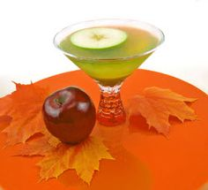Don't you just love those caramel apples everyone has the fall?  Halloween just wouldn't be the same without them.  Now there's a delicious drink recipe that will take you back to your childhood - it captures the flavor of those yummy caramel apples, but now it's for adults only!