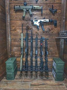 """ -Benjamin Franklin Hold Up Displays Vertical Gun Rack Weapon Storage, Gun Storage, Weapons Guns, Guns And Ammo, Revolver, Gun Safe Room, Gun Closet, Gun Vault, Armas Ninja"