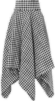 Dolce & Gabbana Asymmetric Houndstooth Wool-blend Midi Skirt – Black Curvy fashion - African Styles for Ladies Fashion Models, Fashion 2020, Curvy Fashion, 90s Fashion, Dolce & Gabbana, Dress Drawing Easy, Skirt Fashion, Fashion Dresses, Parisienne Chic