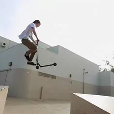 Scooter Freestyle - Worlds Best Pro Scooter Riders ~ Damn Cool Pictures