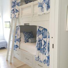 Kids deserve well designed rooms too! #urbangraceinteriors #alysbeach #bunkroom @annescott.s