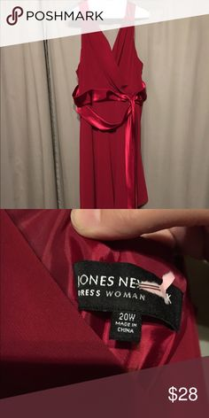 Sale!! Jones New York plus size dress Fun and flirty party dress! Very flattering. You will be the bit of any party you attend in this dress. It has been worn once and dry cleaned. Looking for a new party to attend with you! Jones New York Dresses Midi
