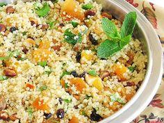 Ingrediënten:  - 250g quinoa  - 250 g gedroogde abrikozen, in stukken gesneden  - 50 g amandelen, grof gehakt  - 50 g pistachenootjes, grof...