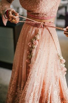 Just look at the details on this traditional Indian wedding dress. - Just look at the details on this traditional Indian wedding dress. High fashion and beautifully made. Source by gveventvenues - Lehenga Saree, Bridal Lehenga, Anarkali, Ghagra Choli, Lehnga Dress, Indian Dresses, Indian Outfits, Pretty Dresses, Beautiful Dresses