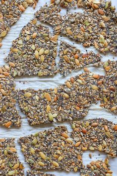 Made with healthy ingredients ; salted- these crunchy seed crackers are everything that you have been looking for in a crunchy snack! Healthy Crackers, Homemade Crackers, Healthy Snacks, Low Carb Crackers, Chia Seed Crackers, Seed Crackers Recipe, Raw Food Recipes, Low Carb Recipes, Snack Recipes