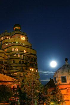 Architektur | stefan_pohl schreibt zum Foto: HDR des Darmstädter Hundertwasserhauses  Vollmond
