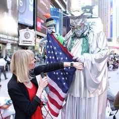 To figure out how exactly the new Apple Watch can help travelers, T+L News Editor Amy Farley has gone straight to the source: New York City's Times Square, which sees some 50,000,000 visitors annually. Watch as Farley takes to the NYC streets, offering visitors impromptu recommendations, directions, and translation services. | via Travel + Leisure