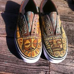 .@tikitony   Just finished a new pair of #vans. #tiki #tikivans #customvans #customshoes #...   Webstagram - the best Instagram viewer