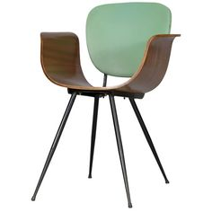 Bent wood mid century chairs: Real Dorcia circa 1950s