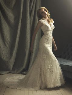 Lace Romantic Vintage Wedding Dresses With Sleeves