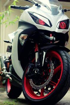 I need these lights. Kawasaki Motorcycles, Cars And Motorcycles, Ninja Bike, Kawasaki Ninja 300, Custom Sport Bikes, Biker Boys, Motorbike Girl, Sportbikes, Motorcycle Design