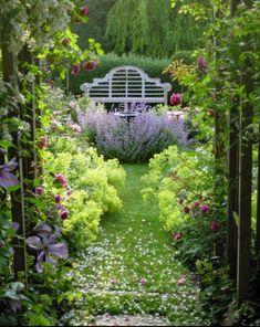 Gitter im Garten - Diy Garden Decor Cottage Garden Design, Garden Landscape Design, Landscape Designs, Small Gardens, Outdoor Gardens, Amazing Gardens, Beautiful Gardens, The Secret Garden, Design Jardin