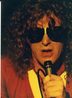 These photos show members of rock bands in the Somewere identified, some not, but the interesting thing here is that their fashion i. Ian Hunter, Mott The Hoople, Picture Show, Rock Bands, 1980s, Round Sunglasses, Hair Styles, Pictures, Vintage