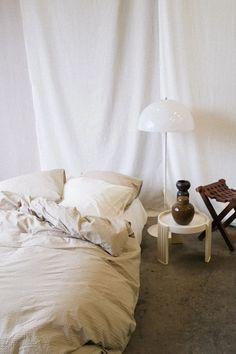 Verander je slaapkamer in de meest luxe hotelkamer met het Purity dekbedovertrek van Crisp Sheets. Dit prachtige overtrek is gemaakt van een uniek soort katoen waardoor het altijd aanvoelt als nieuw. Perfect voor in de moderne slaapkamer! #fonQ #fonQnl #slaapkamer #slaapweken #dekbedovertrek #CrispSheets #slaapkamerideeen #slaapkamerinspiratie #wooninspiratie