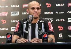 hhttp://www.goal.com/br/news/229/brasileir%C3%A3o-s%C3%A9rie-a/2016/10/05/28210412/no-seu-primeiro-jogo-contra-o-corinthians-f%C3%A1bio-santos-%C3%A9  No seu primeiro jogo contra o Corinthians Fábio Santos é vaiado pela torcida