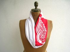 Detroit Red Wings T Shirt Infinity Scarf / Eternity Scarf / Red White / Recycled / Upcycled / NHL Ice Hockey / Cotton / Soft / Fun / ohzie