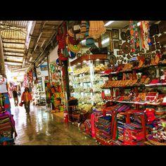 Amazing colours  #INKAplaza #Lima #Miraflores #lifeinperu  #artisans #LimaGallery #artesanato #handcraft #igersperu #colors #colours