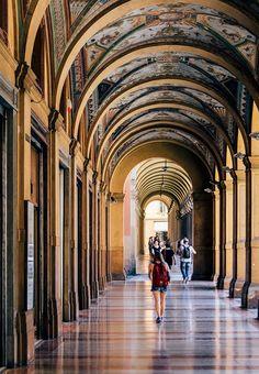 Die Portici von Bologna, Italien