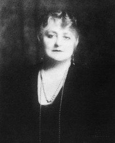 April 2, 1940 marks the death of Maude Sergeant Bouvier— Big Edie's mother and Little Edie's grandmother. Big Edie's final familial ally, other than her daughter, this was a huge loss and marked the beginning of the end for the Beales' relationship with the Bouvier family.