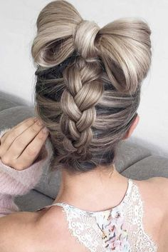 30+ Popular Braided Hairstyles for Long Hair to Copy ❤ Popular Styles: Upside Down, Twisted Crown, and Milkmaid picture1 ❤ #hairstyles #hairbraids See more: http://lovehairstyles.com/braided-hairstyles-for-spring/
