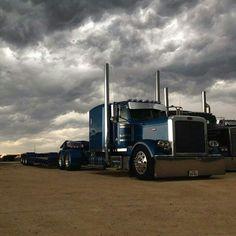 15 Best Trucks In The World [Cool Trucks Pictures] Peterbilt 359, Peterbilt Trucks, Show Trucks, Big Rig Trucks, Custom Big Rigs, Custom Trucks, Suzuki Sv 650, Motorcycle Garage, Diesel Trucks
