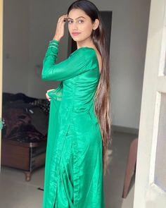 Patiala Salwar, Kurti, Shalwar Kameez, Salwar Suits, Tight Dresses, Satin Dresses, Girls Dresses, Silk Dress, Punjabi Girls