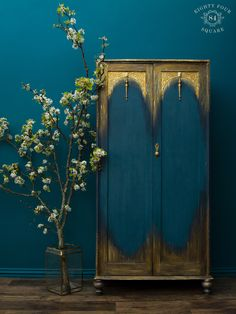 Informations About Teal & Gold painted wardrobe/ armoire Hand Painted Furniture, Funky Furniture, Paint Furniture, Upcycled Furniture, Furniture Projects, Furniture Makeover, Home Furniture, Furniture Design, Decoration Inspiration
