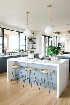 Supreme Kitchen Remodeling Choosing Your New Kitchen Countertops Ideas. Mind Blowing Kitchen Remodeling Choosing Your New Kitchen Countertops Ideas. Kitchen Paint, Home Decor Kitchen, New Kitchen, Kitchen White, Awesome Kitchen, Beautiful Kitchen, Kitchen Sale, Rustic Kitchen, White Kitchens