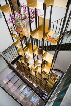 Vesper Hotel by Studio Akkerhuis - News - Frameweb - Hotels Decoration Interior Staircase, Staircase Design, Interior Architecture, Storage Design, Shelf Design, Hotel Lobby, Cabinet Shelving, Shelves, Hospitality Design
