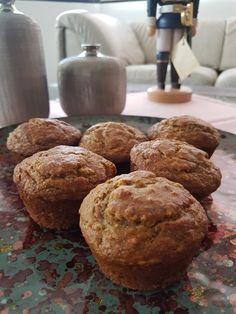 Banana Muffins Whole wheat flour, oats, sugar, baking powder, baking soda, milk, eggs, oil and peanut butter.