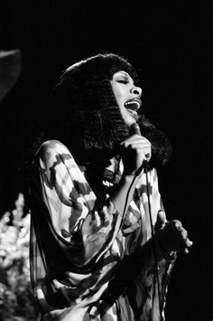 """<b>""""The Queen of Disco"""" <a href=""""http://www.buzzfeed.com/annanorth/donna-summer-has-died-at-63"""">died today at 63</a>.</b> She leaves behind a legacy of beautiful music — and beautiful photos. Here's a look back at her life of sequins, fabulous hair and sartorial surprises."""