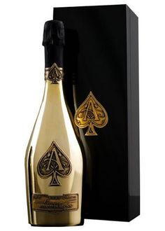 Armand de Brignac Brut Gold (Ace of Spades). Armand de Brignac is marvelously complex and full-bodied, with a bouquet that is both fresh and lively. Its sumptuous, racy fruit character is perfectly integrated with the wine's subtle brioche accents. Spade Champagne, Flute Champagne, Best Champagne, Champagne Bottles, Gold Champagne, Bling Bottles, Liquor Bottles, Expensive Champagne, Champagne Brands