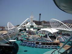 #empacatumaleta y disfruta de #lamejorexperiencia en alta mar #viajacongeotours #elmundoatualcance