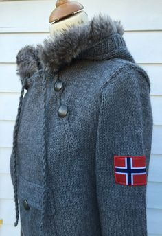 Mønsterhefte Norsk Strikkeanorakk XS-XXXL Canada Goose Jackets, Knit Crochet, Winter Jackets, Knitting, Etsy, Shopping, Oslo, Crocheting, Crafts