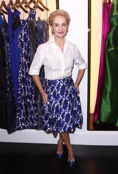 What Fashion Designers Wear - How Famous Fashion People Dress Mature Fashion, Over 50 Womens Fashion, 50 Fashion, Royal Fashion, Fashion Design, Carolina Herrera, Sunday Church Outfits, Royal Clothing, People Dress