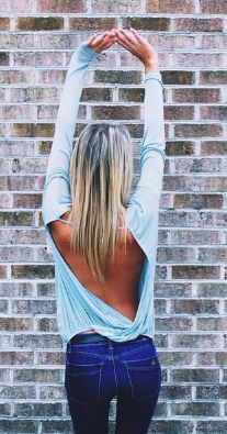 Open back top & jeans