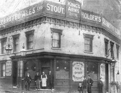 The Kings Arms Inn On the corner of Hinkley Street and Suffolk Street Birmingham 1907.