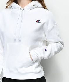 Upgrade your basic collection with the Reverse Weave white hoodie from Champion. Coming in a versatile white colorway, this hooded pullover sweatshirt features a special Reverse Weave construction that maintains its shape over time and is finished with White Champion Hoodie, Champion Hoodie Women, Champion Sweatshirt, Champion Jacket, Pullover Hoodie, Hoodie Sweatshirts, Hoody, Hoodie Outfit, Pull Champion