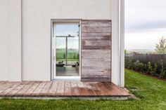 Italian practice Archiplan Studio has recently recovered an old barn in the beautiful landscape of Modena countryside, Italy, partially damaged by an earthquake. Grange Restaurant, Planer Layout, Barn Renovation, Storey Homes, Detached House, Studio, Modern Architecture, Countryside, My House