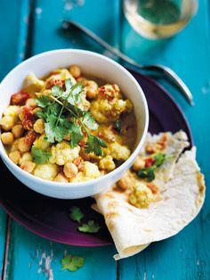 Blumenkohl-Kichererbsen-Curry mit Sahnejoghurt